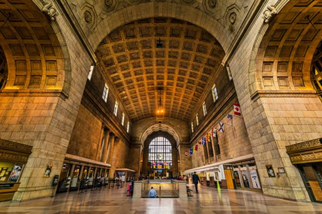 99bf-20141110-union-station.jpg-resize_then_crop-_frame_bg_color_FFF-h_1365-gravity_center-q_70-preserve_ratio_true-w_2048_
